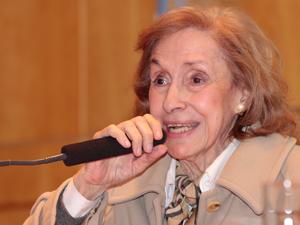 Sra. Alicia Giménez, presidenta de UCRA.