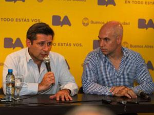Víctor Santa María y Horacio Rodríguez Larreta presentan Expensas Claras III en el salón de SERACARH.