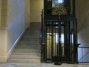 La oblea de cada ascensor actualmente cuesta 870 pesos por año.