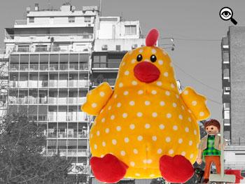 Según el significado de los sueños para la quiniela y la lotería, el número 25 está representado por la gallina.