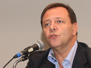 Oscar Zago (PRO), autor de la Ley 4.803.