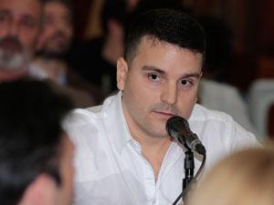 Gabriel Rollandi, presidente de CASIPH, exponiendo ante los legisladores porteños.