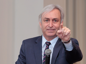 Dr. Gustavo Nadalini.