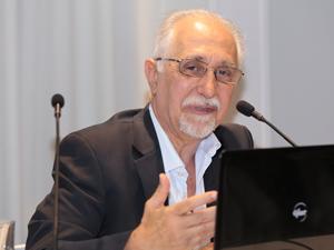 Dr. Eduardo Molina Quiroga.