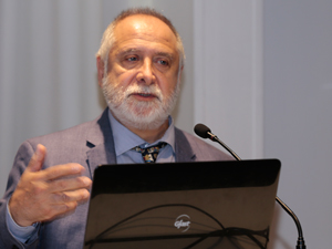 Dr. Miguel Angel Luvera.