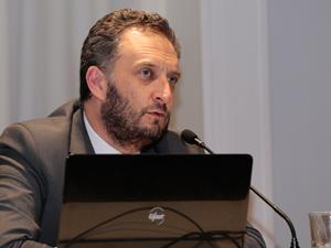 Dr. Alejandro Andino.