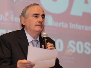 Dr. Juan Antonio Costantino.