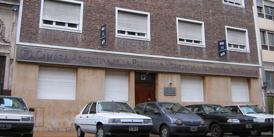 Sede de la Cámara Argentina de Propiedad Horizontal y Actividades Inmobiliarias en la calle Perú 570 de la CABA.