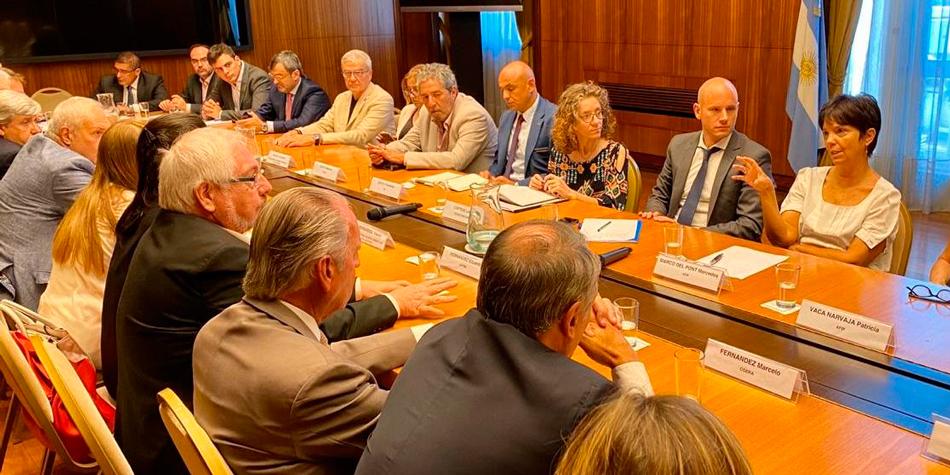 La titular de la AFIP, Mercedes Marcó del Pont, recibió a representantes de las cámaras empresarias para analizar la puesta en marcha del Plan Moratoria 2020.