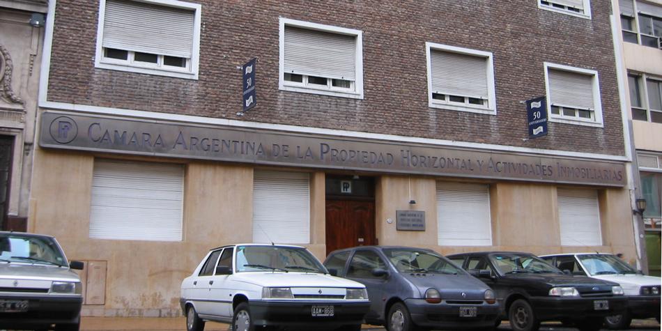 Sede de la Cámara Argentina de Propiedad Horizontal y Actividades Inmobiliarias (CAPHyAI).