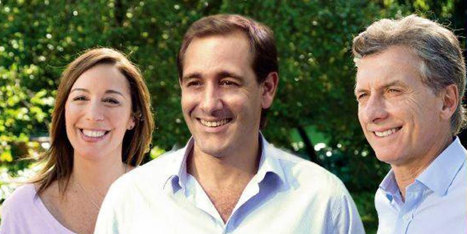 Entre María Eugenia Vidal y Mauricio Macri, Julio Garros [Foto Facebook Garros del 9/10/15].