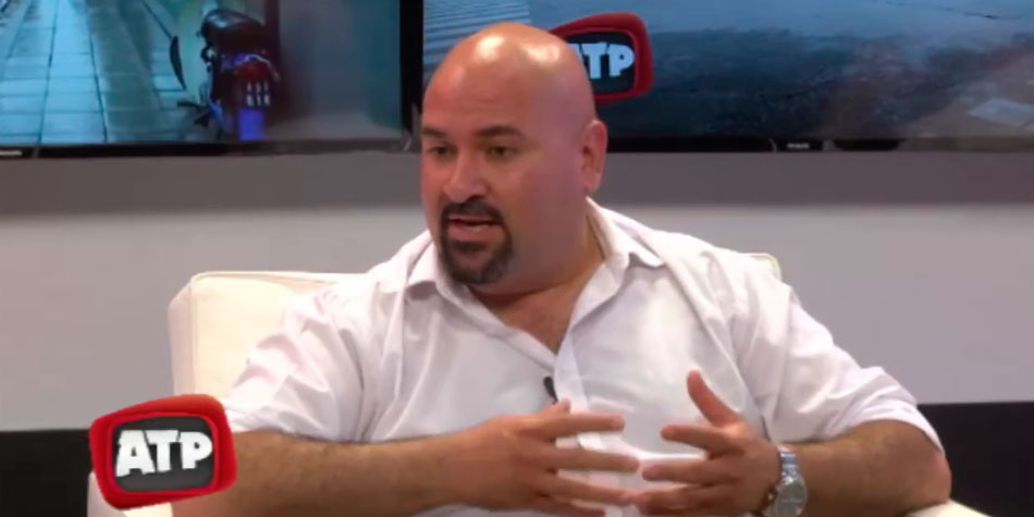 El Dr. Carlos Suárez, autor de la iniciativa aprobada como Ordenanza 12.603, durante una entrevista en la TV local en 2018.
