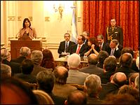 La ministra de Economía, Felisa Miceli, presenta el nuevo Plan de Vivienda.