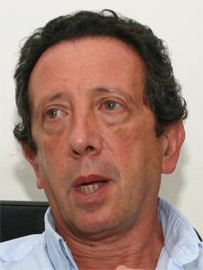 Cr. Salvador Víctor Pérez.