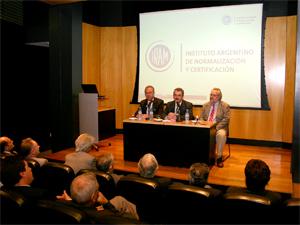 El objetivo del paquete de normas es atender las necesidades de todos los sectores y buscar la protección de la sociedad.