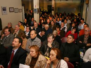 En el salón del 2º piso de la CAPHyAI asistieron más de 190 administradores que participaron del debate con el Leg. Sergio Abrevaya.