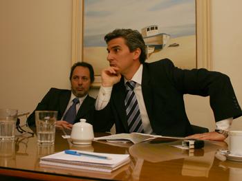 Los Dres. Mauro Ricardo Rossi (Izq.) y Jorge Martín Irigoyen (der.) titulares del estudio que presentaron un recurso judicial contra la Ley 941, su reglamentación y el reempadronamiento.