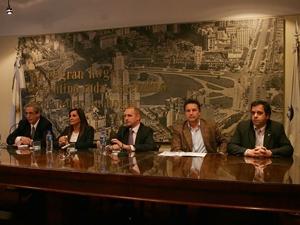 De izq. a Der.: Arturo Molina, Gabriela Saldivia, Fernando Wasinger, Emilio Rossi y Fernando Staino.