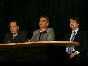 De izq. a Der.: Dres. Mauro Rossi, Jorge Martín Irigoyen y Alexander Rodríguez.
