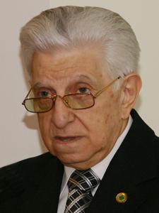 Lic. Alfredo Cutuli.