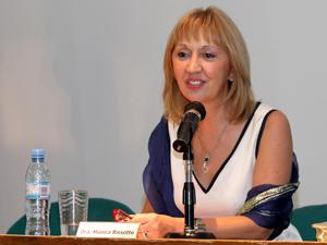Dra. Mónica Rissotto.