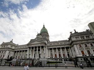 """Senador Horacio Lores: """"La pena de arresto resulta de una peculiaridad impropia de nuestro sistema civil"""","""