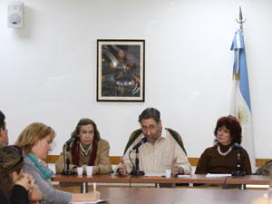 De izq. a der. la Sra. Alicia Giménez, el Dr. Osvado Loisi y la Dra. Rita Sessa.