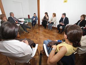 Teresa Villanueva preside la primera reunión oficial de la Comisión de Consorcios de la Comuna Nº 2.