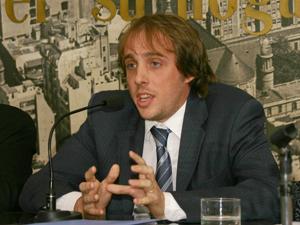 Juan Manuel Gallo no habilitó a las cinco entidades de administradores para dictar el curso.