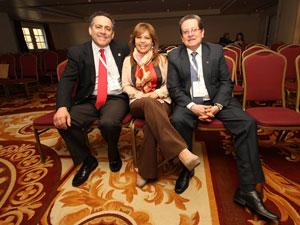 De Izq. a Der.: An�bal Ahumada �lvarez (Chile), Susana Figueroa (Guatemala) y Germ�n Molano Baquero (Colombia).