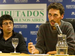 Germán Schierff y Marcos Quintulén de la Asociación Platense de Inquilinos.