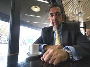 Dr. Raúl Castro.