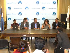 Presentación del programa Demos en la Legislatura porteña.