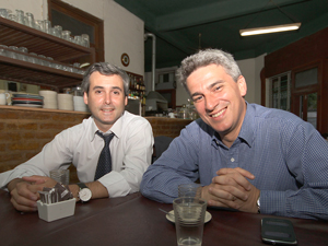 A la Der., Jorge Martín Irigoyen junto a su compañero de fórmula Martín Zeballos Ayerza.