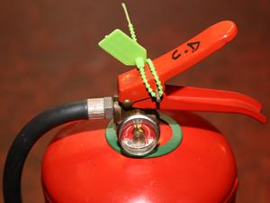 Las empresas deberán retirar del uso público aquellos extintores que no se adecuen a las exigencias de la CABA.