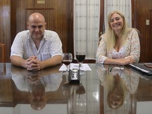 La Adm. Cecilia Nájera y el Adm. Ariel Coppari, presidenta y vicepresidente de la Cámara de Administradores de Consorcios de la Plata.