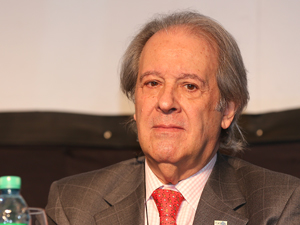 Dr. Héctor D'Odorico.