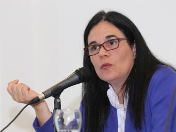 Dra. Silvia Gutiérrez Garay disertando en la UMET sobre el nuevo Código Civil y el Derecho Laboral del sector.