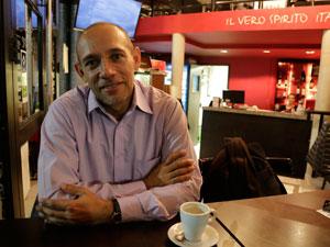 El abogado y administrador Ignacio Alfaro de Costa Rica en Buenos Aires conversando con Pequeñas Noticias.